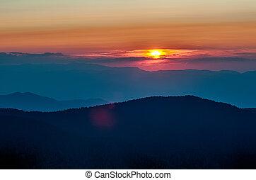 carretera ajardinada de cumbre azul, otoño, ocaso, encima, montañas apalaches