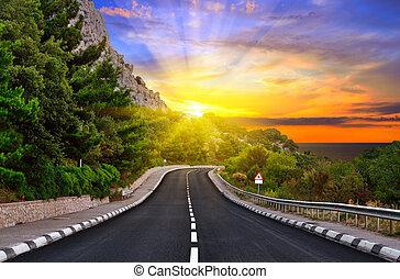 carretera, en las montañas