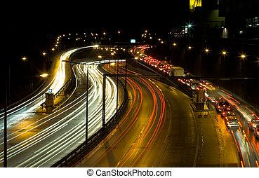 carretera, tráfico, por la noche