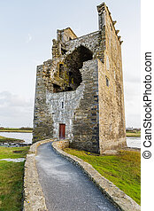 Carrigafoyle castle in Ireland - Photo of old fort in...