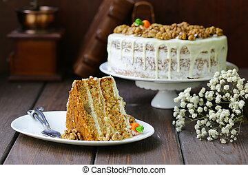 carrot cake with walnuts and mascarpone cream