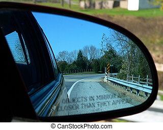 Car's side mirror