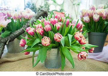cartão, buquet, tulips, primavera, cor-de-rosa, saudação, balde, olá, delicado, vermelho, conceito, grande
