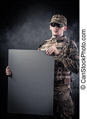 cartaz, modernos, segurando, soldado