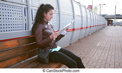 carte, attente, train, girl, étudier