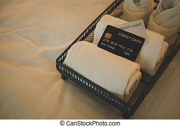 carte de débit, blanc, hotel., réservation, lit, transmettre serviette, concept