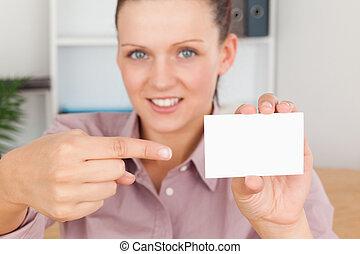 carte, femme souriante, pointage, business