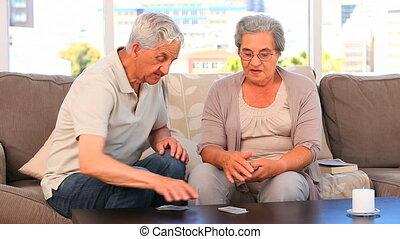 cartes, couple, jouer, mûrir