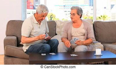 cartes, couple, jouer
