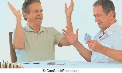 cartes, homme, retiré, jouer, amical