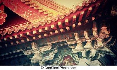 Carved beams & painted buildings%u3002