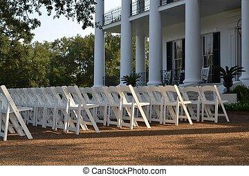 casório, cadeiras, ligado, a, gramado