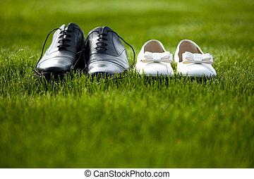 casório, sapatos, em, a, campo grama