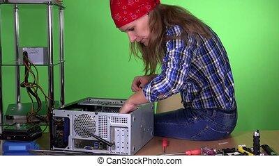 cas, femme, cassé, fixation, pc bureau, informatique, bureau., fin, girl
