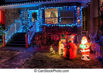 casa, adornado, luces de navidad