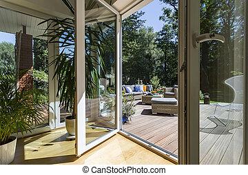 casa, con, spazioso, veranda