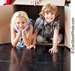 casa, crianças, tendo, seu, novo, divertimento