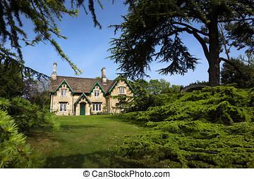 casa de campo de piedra, y, árboles