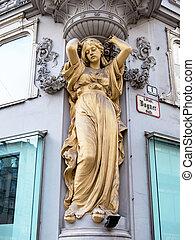 casa de la ciudad, escultura