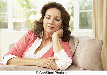 casa, donna senior, sedia, rilassante