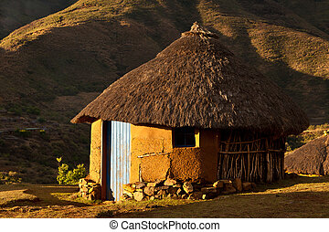 casa, en las montañas, en, ocaso