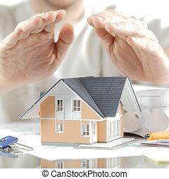 casa, encima, miniatura, manos, conceptual, tabla