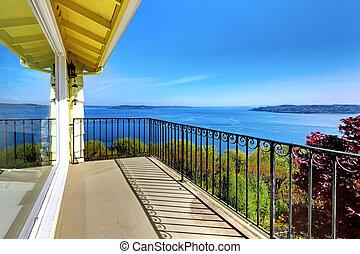 casa, metallo, railings., acqua, strabiliante, vista, ...