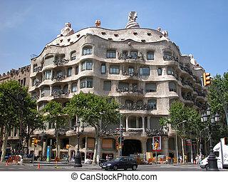 Casa Mila in Barcelona - Casa Mila (La Pedrera) - building...