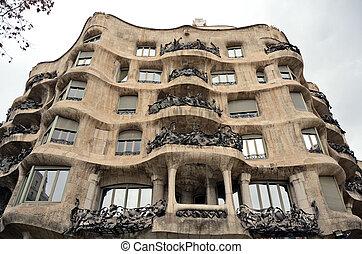 casa mila, pedrera, barcelone