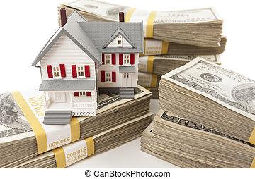 casa pequeña, dólares, pilas, centenares