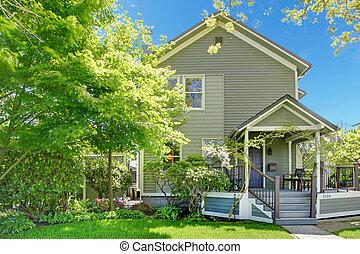 casa, primavera, grigio, esterno, con, entrata, porch.