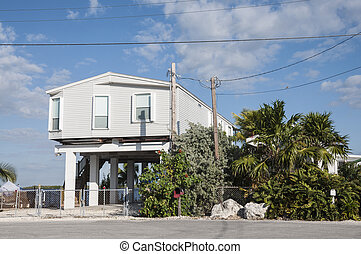 Casa trampoli casa dappertutto cambogia trampoli foto for Piani di casa stile cracker florida