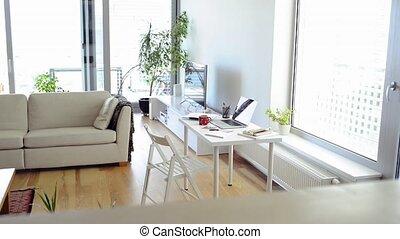 casa, ufficio., scrivania, con, vario, aggeggi, e, ufficio,...