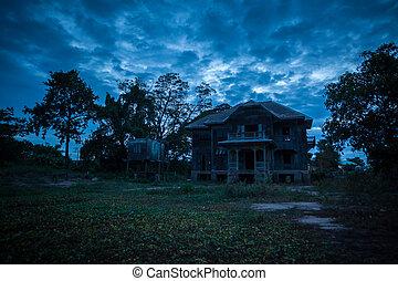 casa, viejo, abandonado
