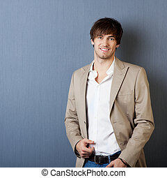 casaco, sorrindo, homem jovem
