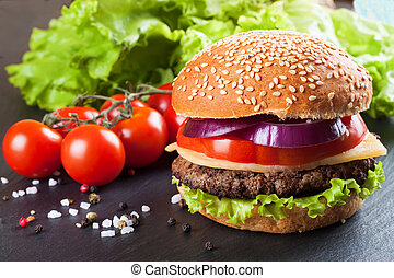 casalingo, cheeseburger, su, nero, ardesia, surface.