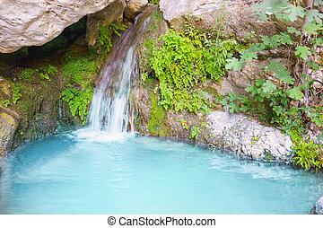 Monta as azules caballete relajante naturaleza for Cascadas con piedras