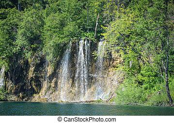 cascada, en, plitvice, parque nacional