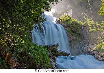 cascada, en, verde, naturaleza