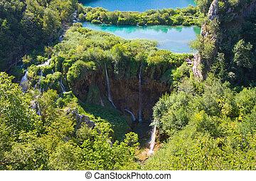 cascadas, en, plitvice, parque nacional, croacia