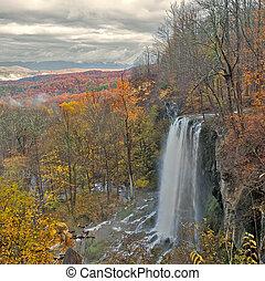 cascade, chute eau, montagnes., beauiful