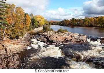 cascading, rivier, en, vallen kleuren