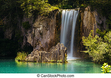 cascata, e, uno, lago, in, il, plitvice, laghi, parco nazionale