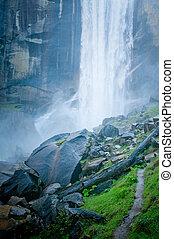 cascata, in, yosemite parco nazionale, california, stati...