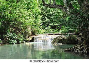 cascata, kanchanabury, eravan, tailandia