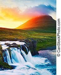 cascata, tramonto