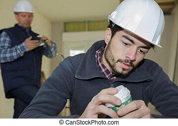 casco, caffè, lavoratore, giovane, rottura, detenere