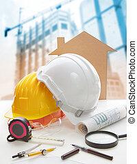 casco de seguridad, proyecto original, plan, y, equipo construcción, en, arquitecto, trabajando, tabla, con, construcción edificio, grúa, plano de fondo, uso, para, industria de la construcción, empresa / negocio, y, ingeniería civil