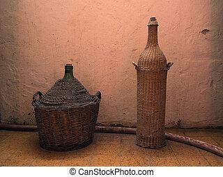 case-bottles, wino., dwa