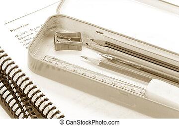 caso, lápiz, libro, metal